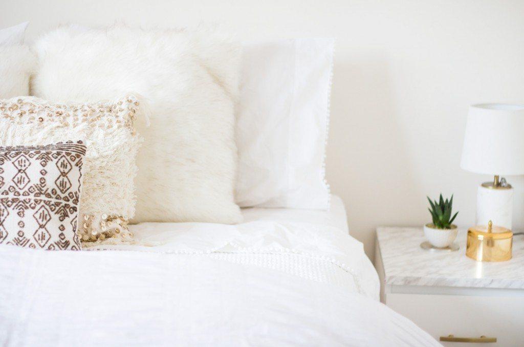 white_bedroom_2