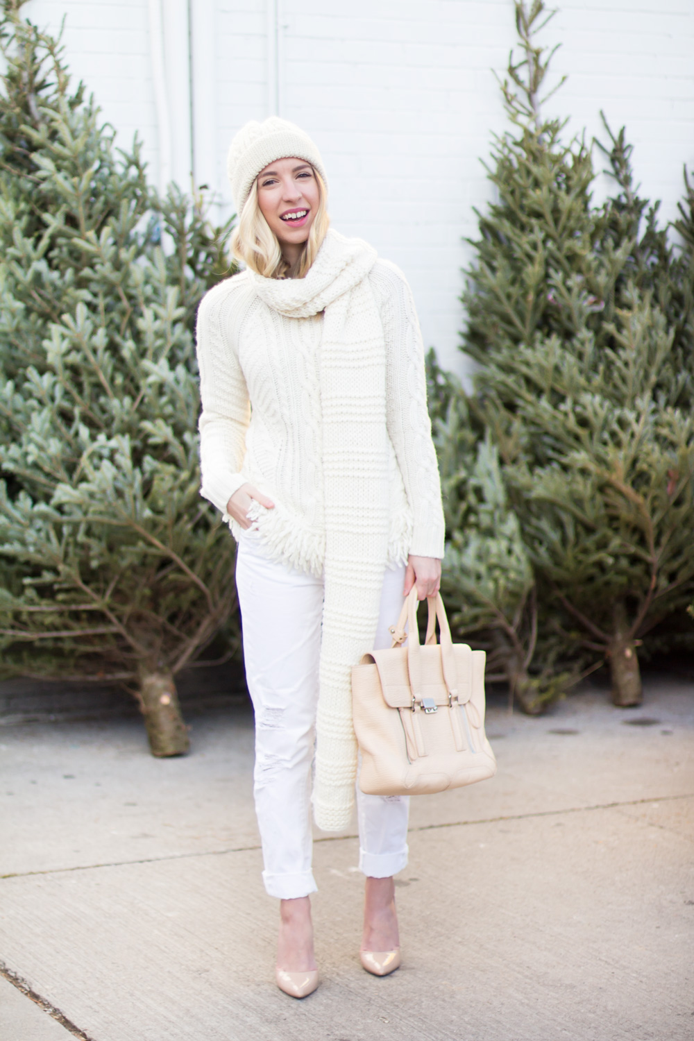 all_white_outfit_1