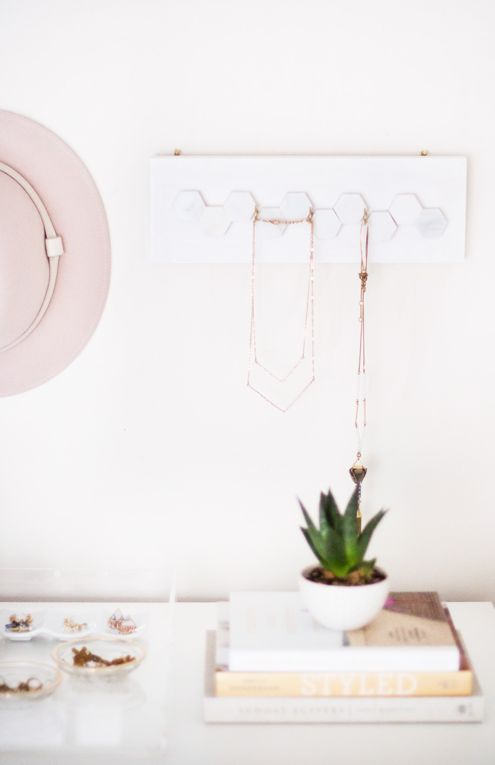 diy_jewelry_hanger_7