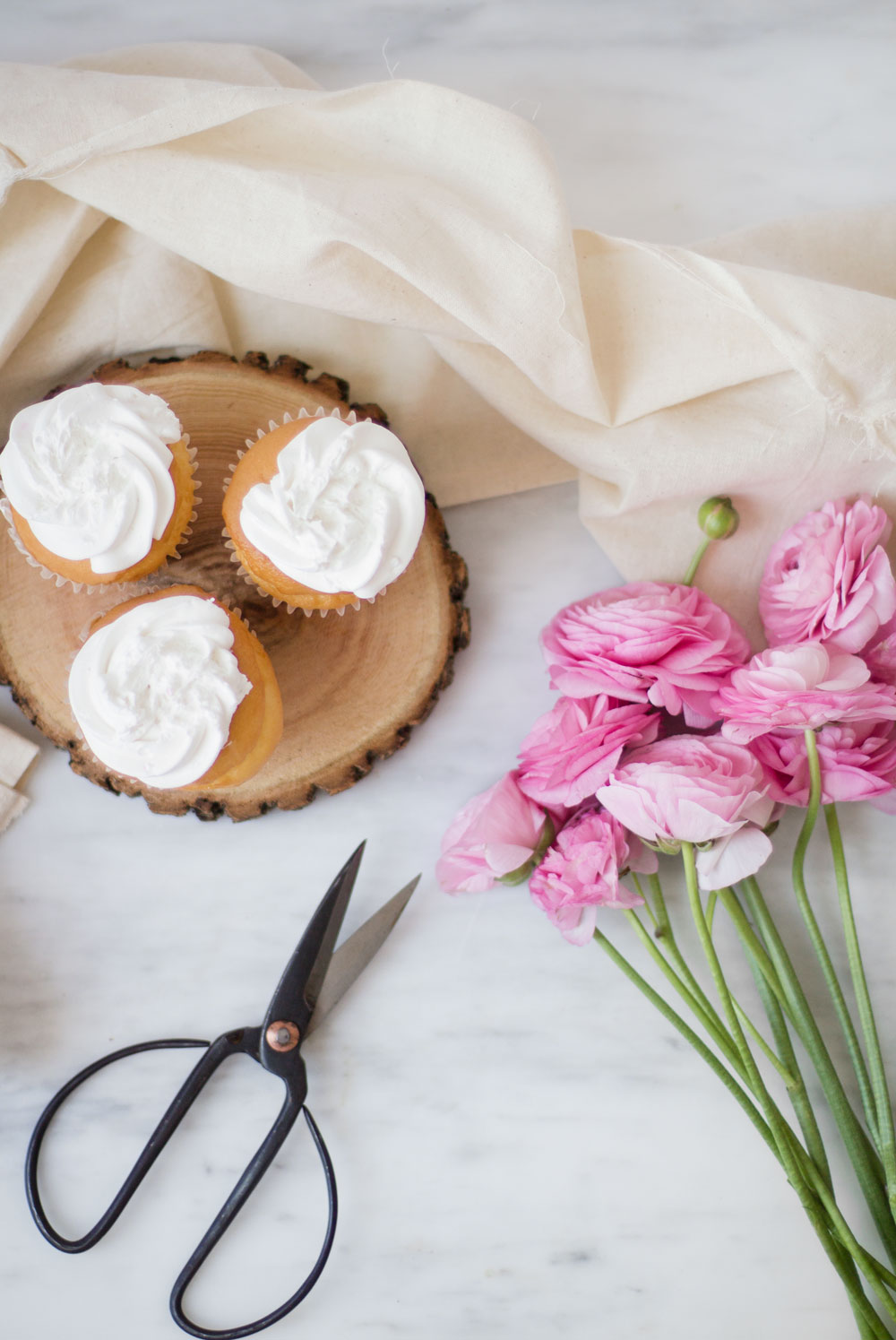 floral-cupcakes-2