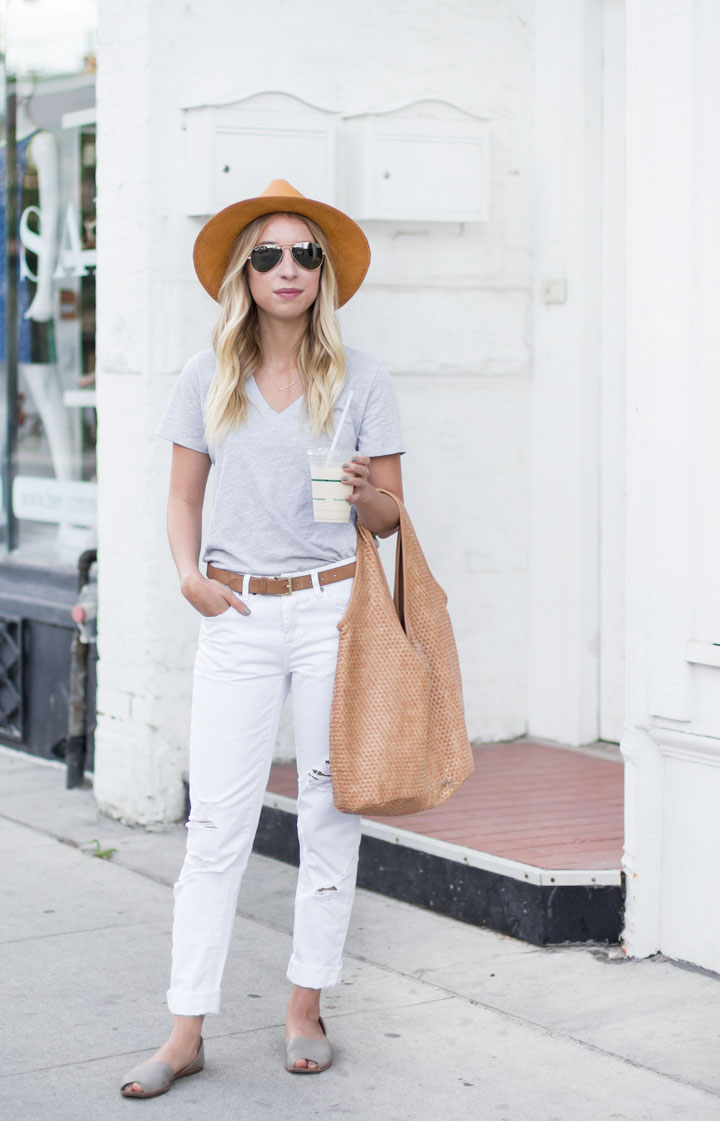 tshirt-and-jeans-outfit-4