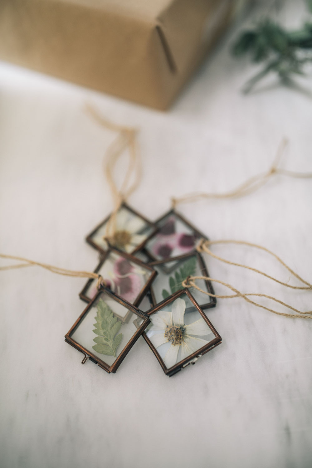 pressed-flower-ornaments-2