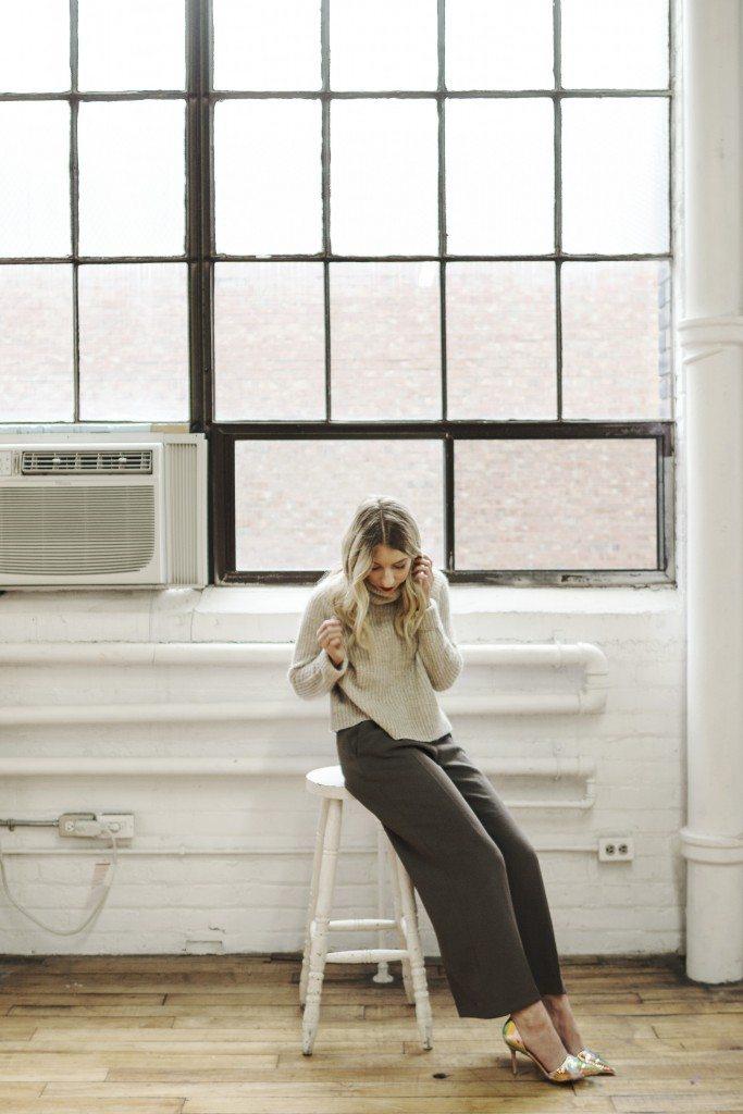 aritzia_loveland_sweater_1