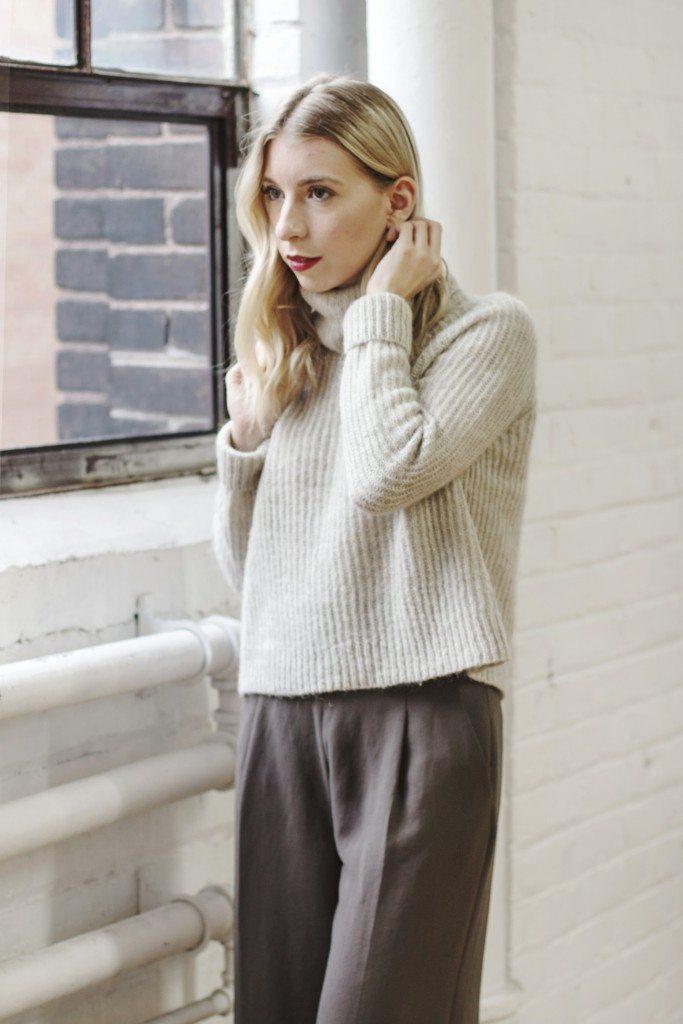 aritzia_loveland_sweater_4