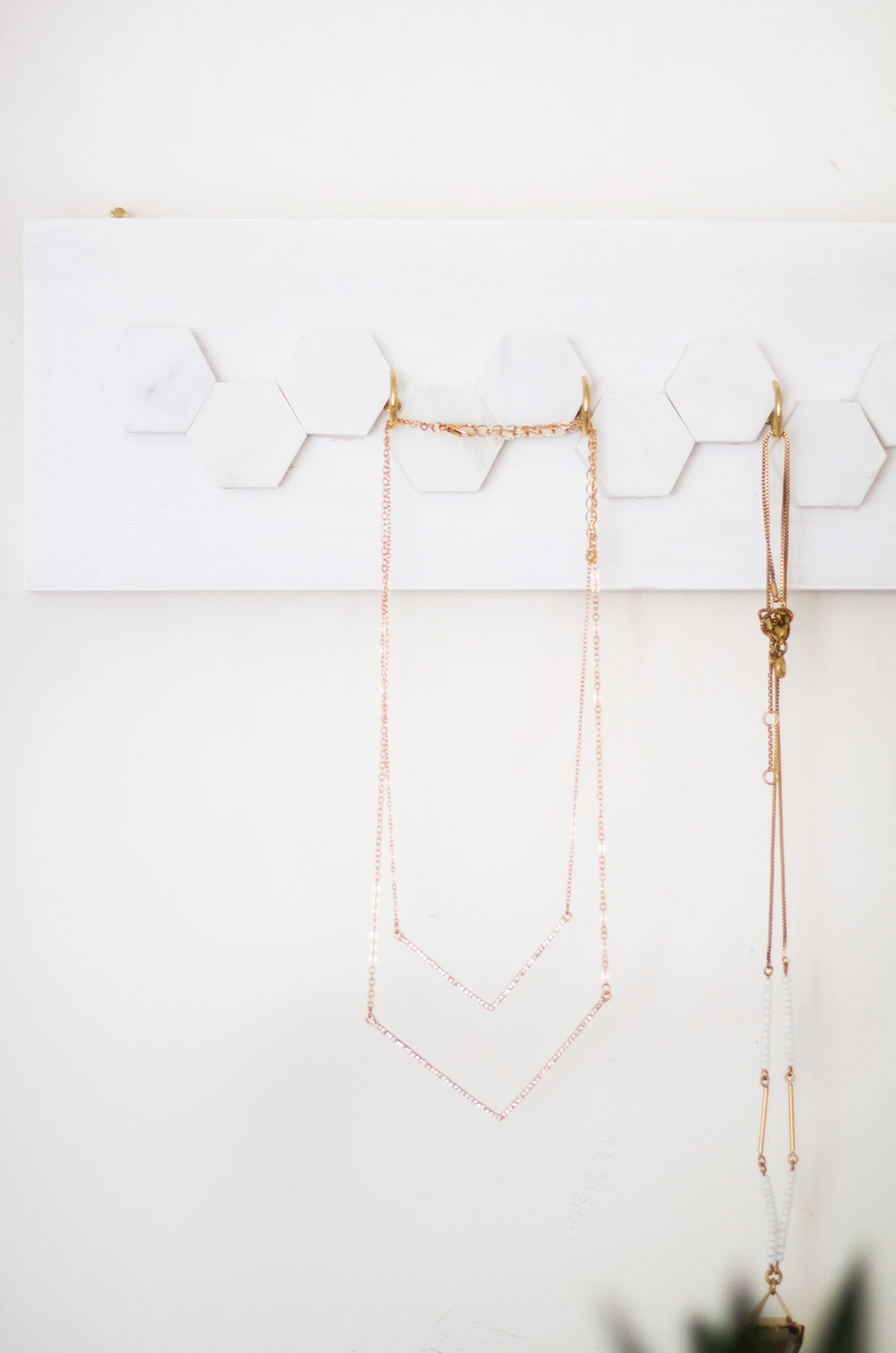 diy_jewelry_hanger_6