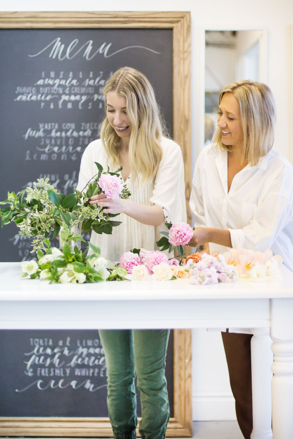 how_to_make_a_floral_centrepiece_7