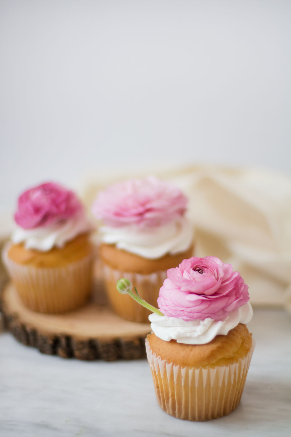 floral-cupcakes-7