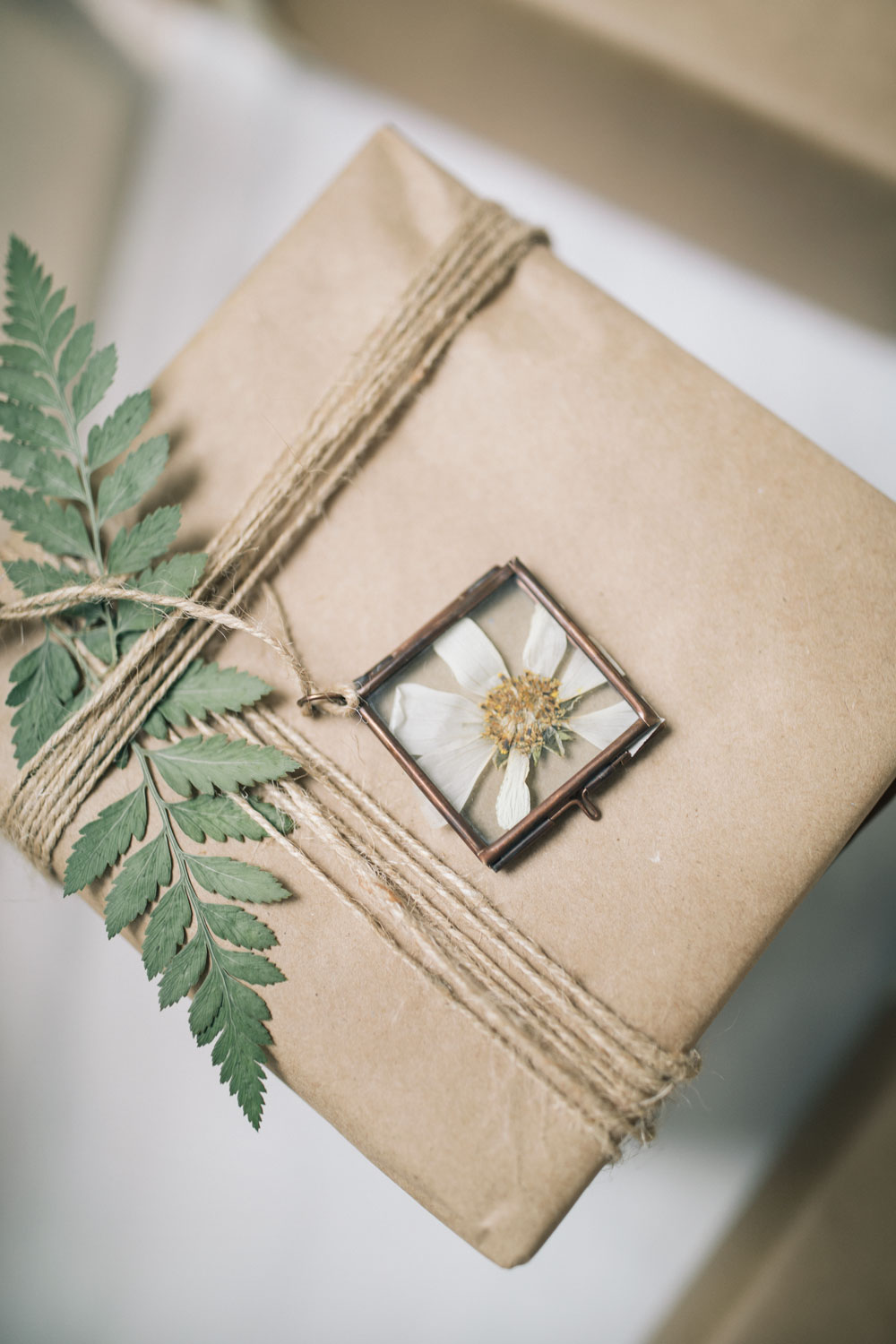 pressed-flower-ornaments-5