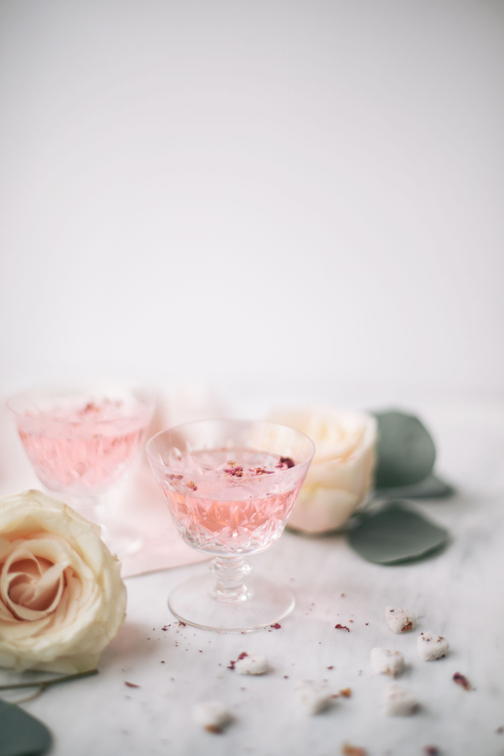 rose water cocktail. pink cocktail. how to make a rose cocktail. rose infused cocktail