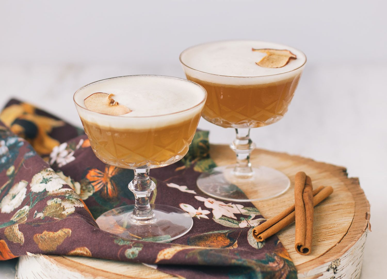 Apple Cinnamon Whiskey Sour